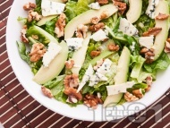 Зелена салата с рукола, орехи и авокадо